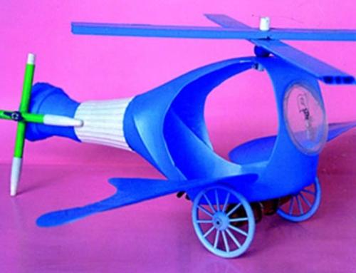"""Manualidades con plastico: """"Helicóptero"""""""