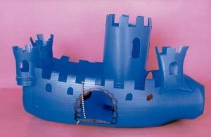 castillo-hecho-con-botellas-de-plastico-2